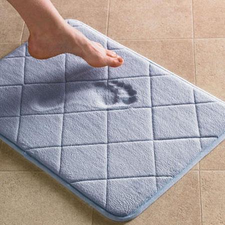 Быстро впитывающий коврик в ванную