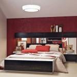 Комбинирование красного и белого цветов в спальне