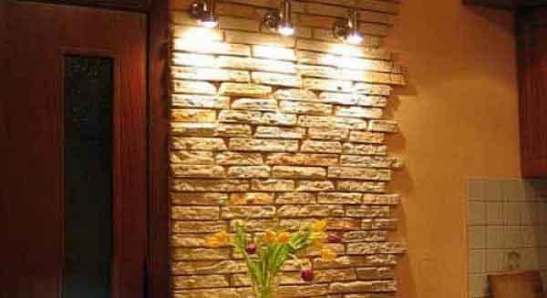 кухня отделка стен камнем