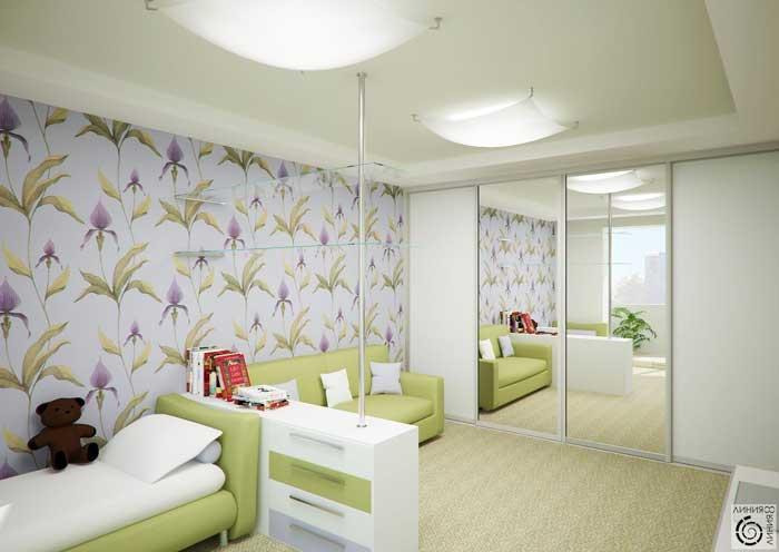 Евроремонт детской комнаты. Стены отделаны виниловыми обоями с цветами
