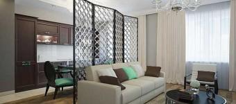 Дизайн гостиной кухни в трехкомнатной квартире. Ширма между кухней и гостиной