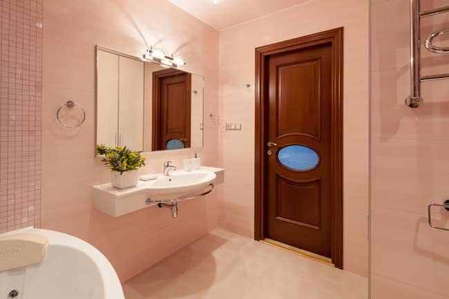 Дизайн совмещенного санузла 2014. Стены розового цвета