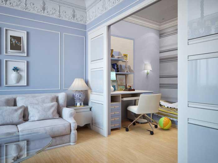 Ремонт классической гостиной. Светлые стены на полу светлый паркет