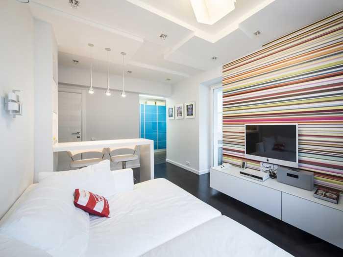 Освещение в гостиной. Комбинированные обои и потолок из гипсокартона