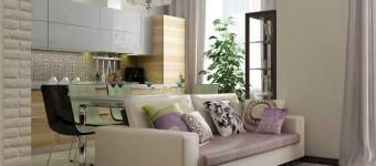 Дизайн гостиной-кухни с сиреневыми шторами. Со встроенным холодильником