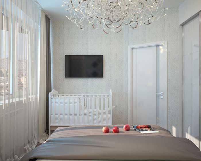 Дизайн узкой спальни с детской кроваткой