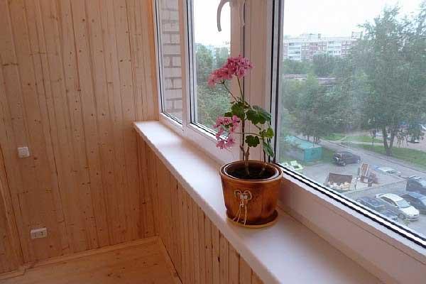 Внутренняя отделка балкона своими руками. Чем отделать балко.
