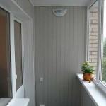 Обшивка балкона вагонкой ПВХ. Фото