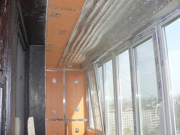 Отделка потолка балкона - теплоизоляция