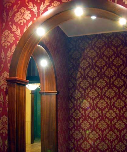 Отделка арки из гипсокартона обоями
