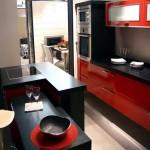 Кухня черная с красным. Фото 12