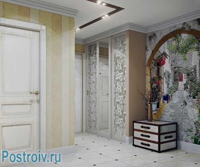 Дизайн маленького коридора со шкафом купэ. Фото обои на стенах