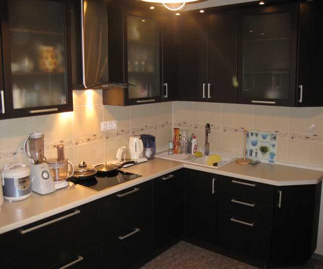 кухни бежевого цвета угловые фото