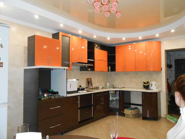 Дизайн кухни оранжевый с венге. фото 7
