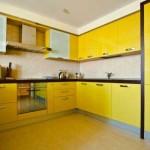 Угловая кухня в желтом цвете. Фото 23
