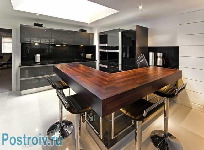 Дизайн барной стойки на кухне должен соответствовать всей кухне
