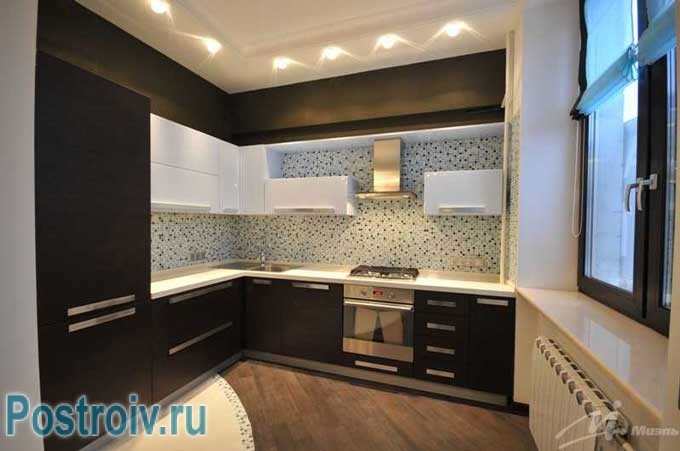 Оформление потолка на кухне. Можно сделать двухуровневый потолок