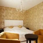 Светлые обои в оформлении спальни - Комбинация 8 фото