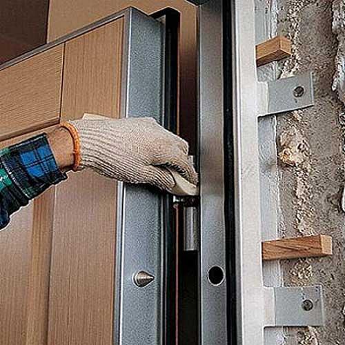 Ремонт входных дверей своими руками петли