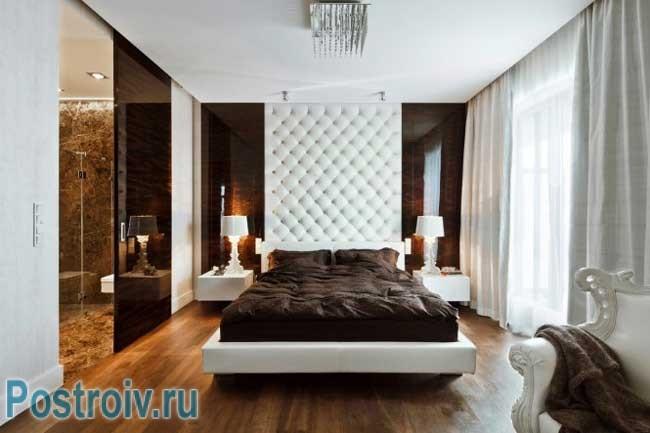 Красивая спальня в современном стиле в шоколадном цвете