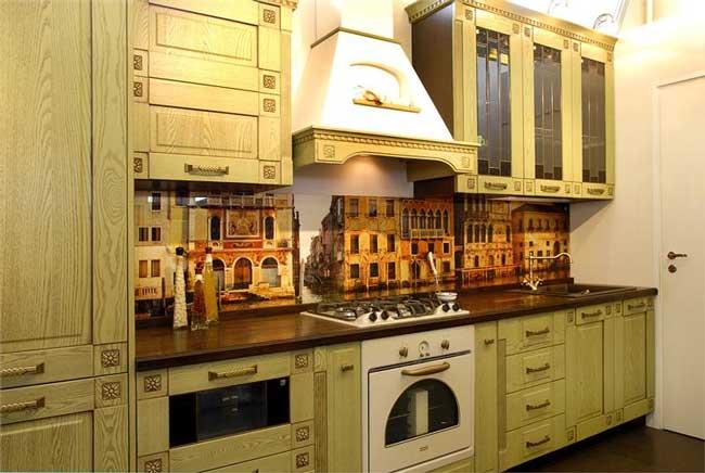 Стеклянный фартук для кухни с фотопечатью