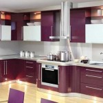 Фиолетовый кухонный гарнитур. Фото