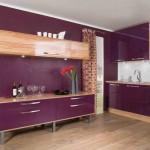Фиолетовые стены на кухне. Фото