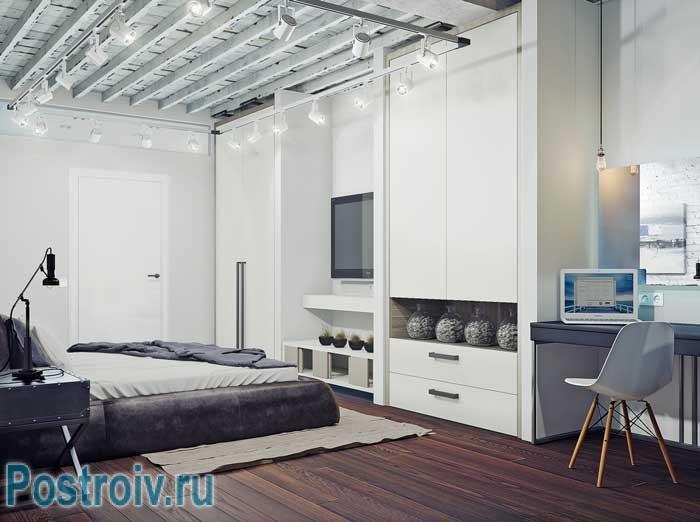 Стиль минимализм в спальне. Большой белый шкаф в спальне