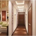 Маленький коридор. Светлые стены зрительно раздвигают пространство