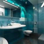 Голубая ванная комната с угловой ванной