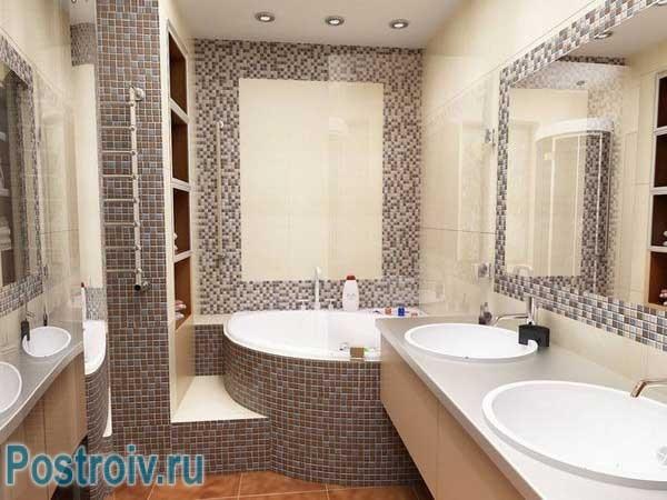 В ванной комнате с угловой ванной фото