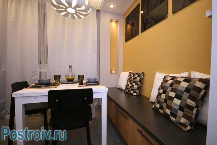Дизайн кухни в московской квартире бюджетный вариант - Фото