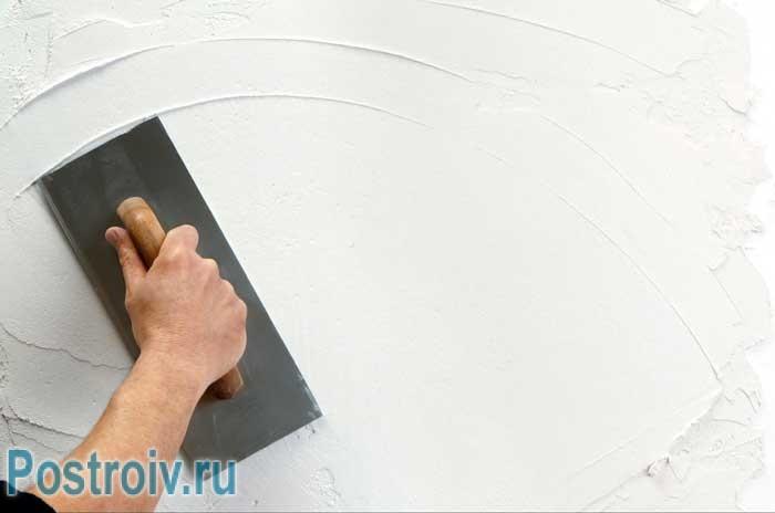 Выравнивание стен перед нанесением жидких обоев