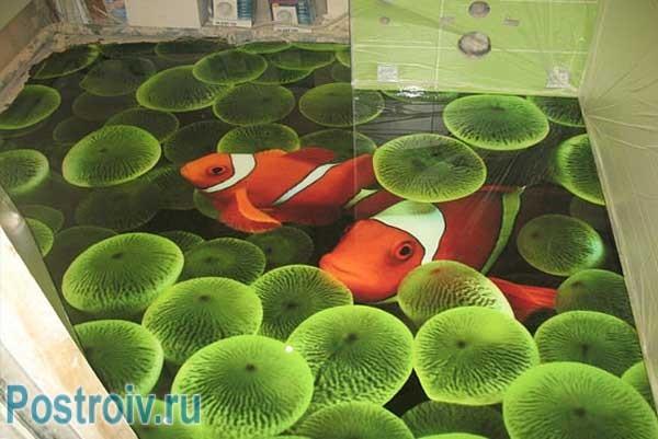 Наливной пол на кухне зеленых оттенков. Фото