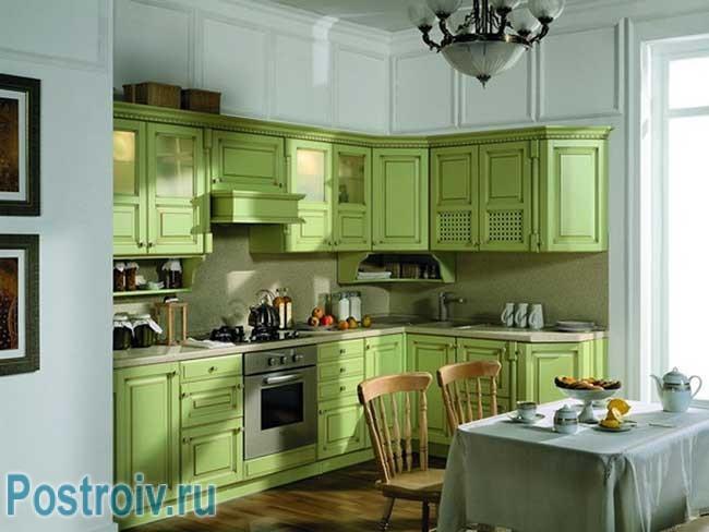 Фасады кухни зеленого цвета. Фото