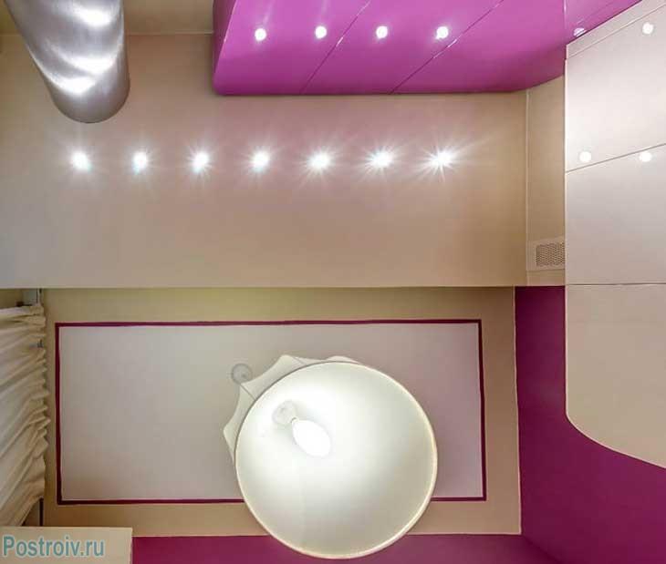 Потолок на кухне двухуровневый с подсветкой. Фото