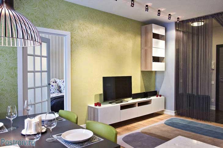 Дизайн комнаты с использованием окна