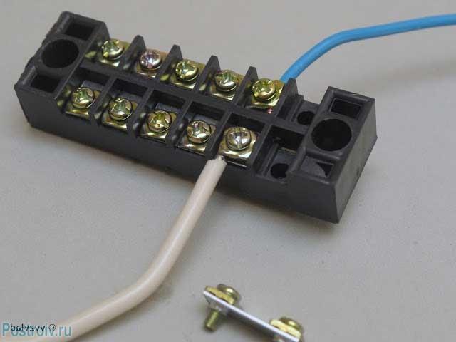 Винтовые зажимные коробки для соединения многожильных проводов - Фото