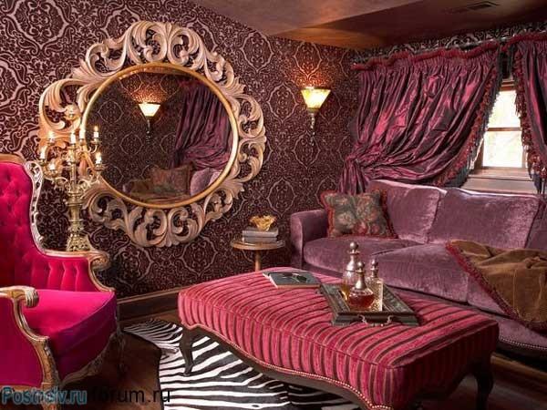 Зеркало в гостиной в стиле барокко. Фото
