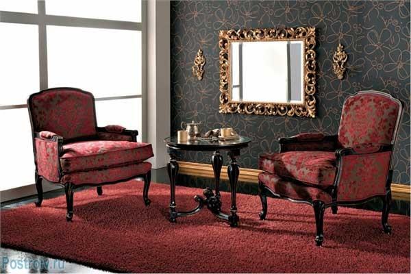 Зеркало в гостиной. Фото