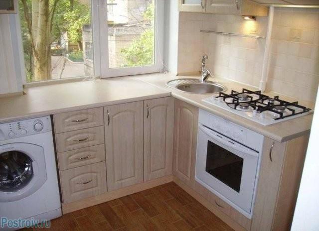 Использование подоконника в качестве продолжения кухонной рабочей поверхности - Фото 07