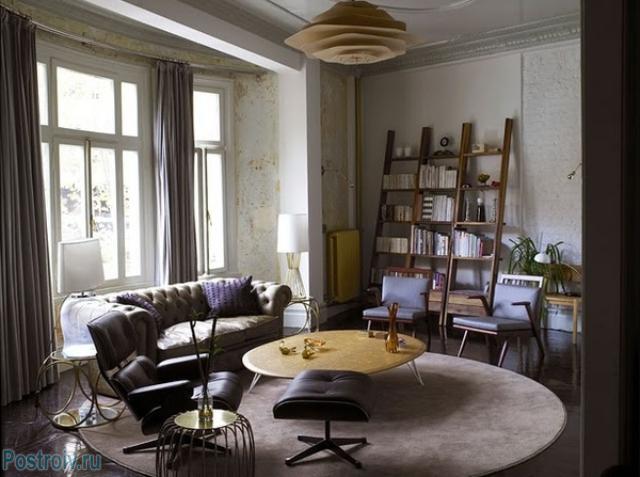 Круглая форма ковра в сочетании с элементами декора гостиной - Фото 13
