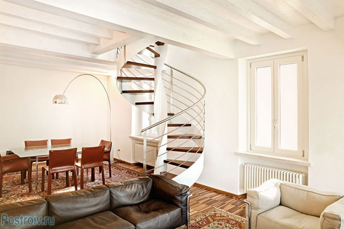 Дизайн винтовой лестницы для дома. Фото