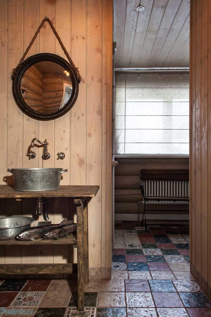 Ванная комната в загородном доме. Фото интерьера