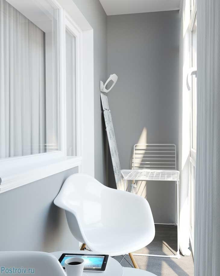 Оформление балкона в светлых тонах - Фото