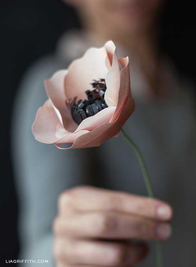 Цветок из бумаги своими руками фото инструкция