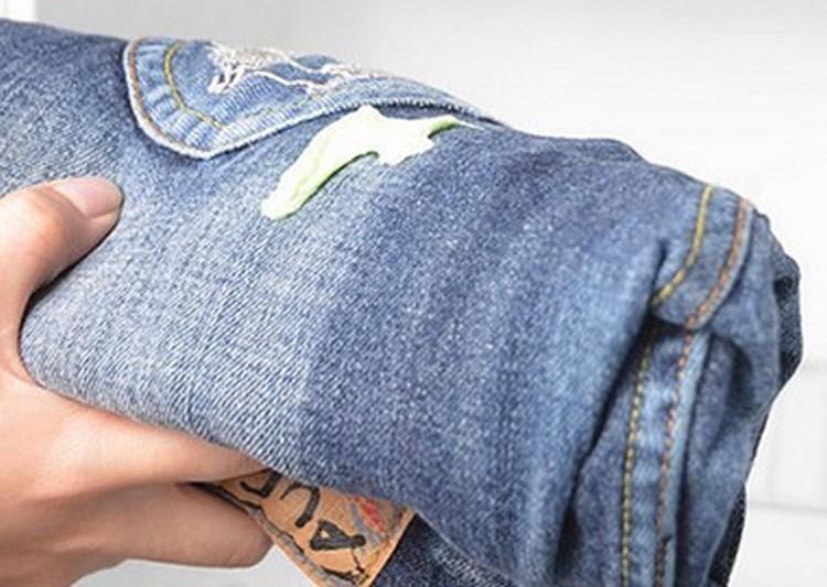 Чем удалить строительную пену с одежды