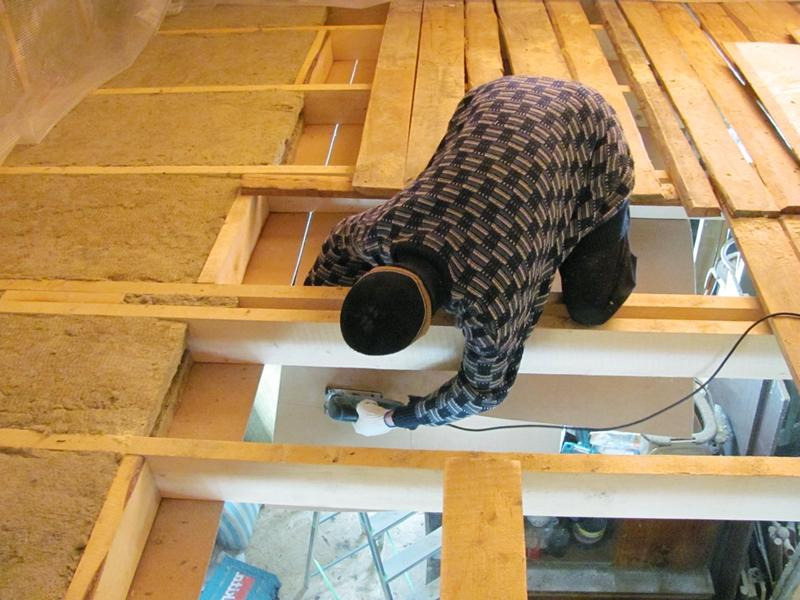 Звукоизоляция-деревянного-пола-первого-этажа