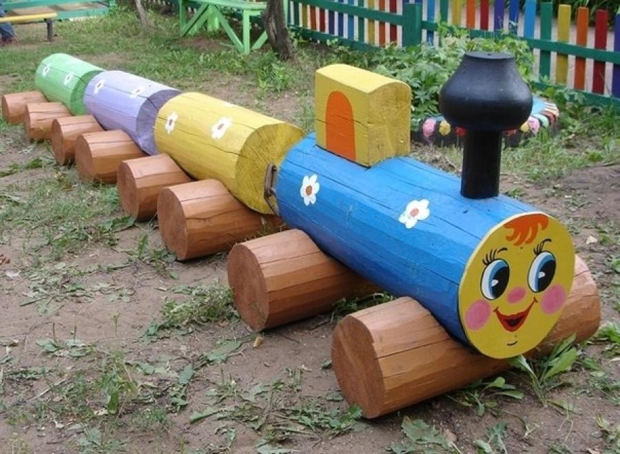 Поделка на участок детского сада из дерева 801
