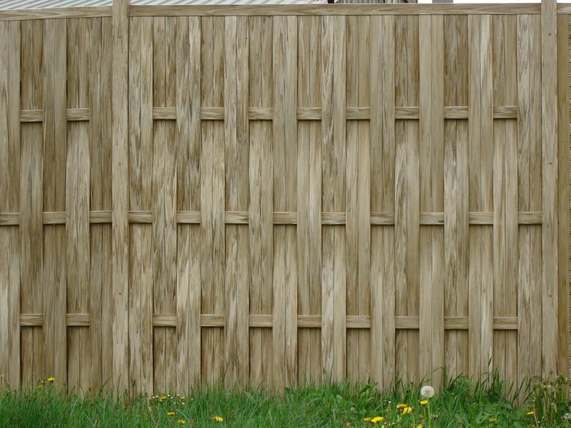 Как сделать плетёный забор из досок своими  901